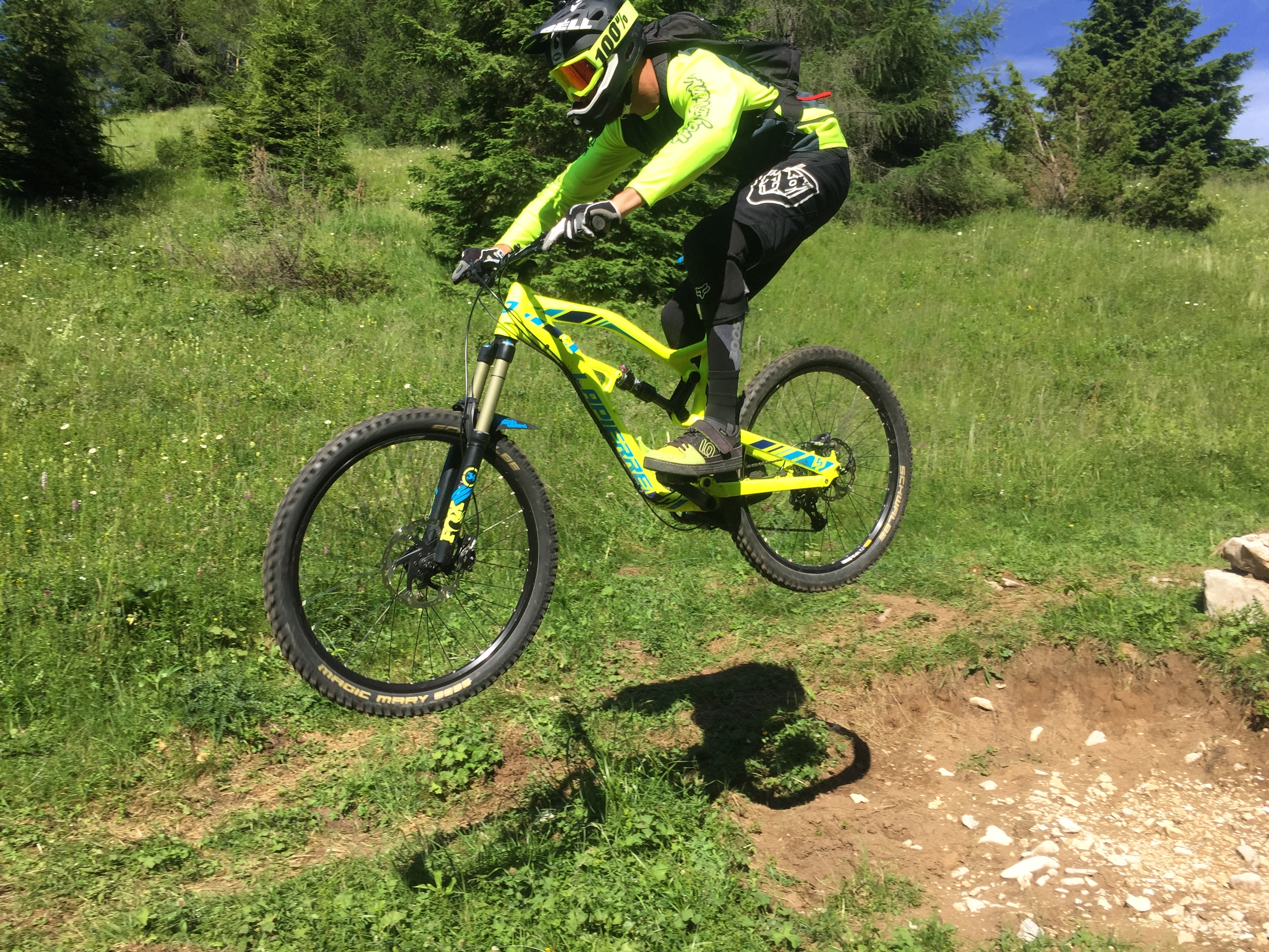 ESPERTO IN MOUNTAIN BIKE ENDURO